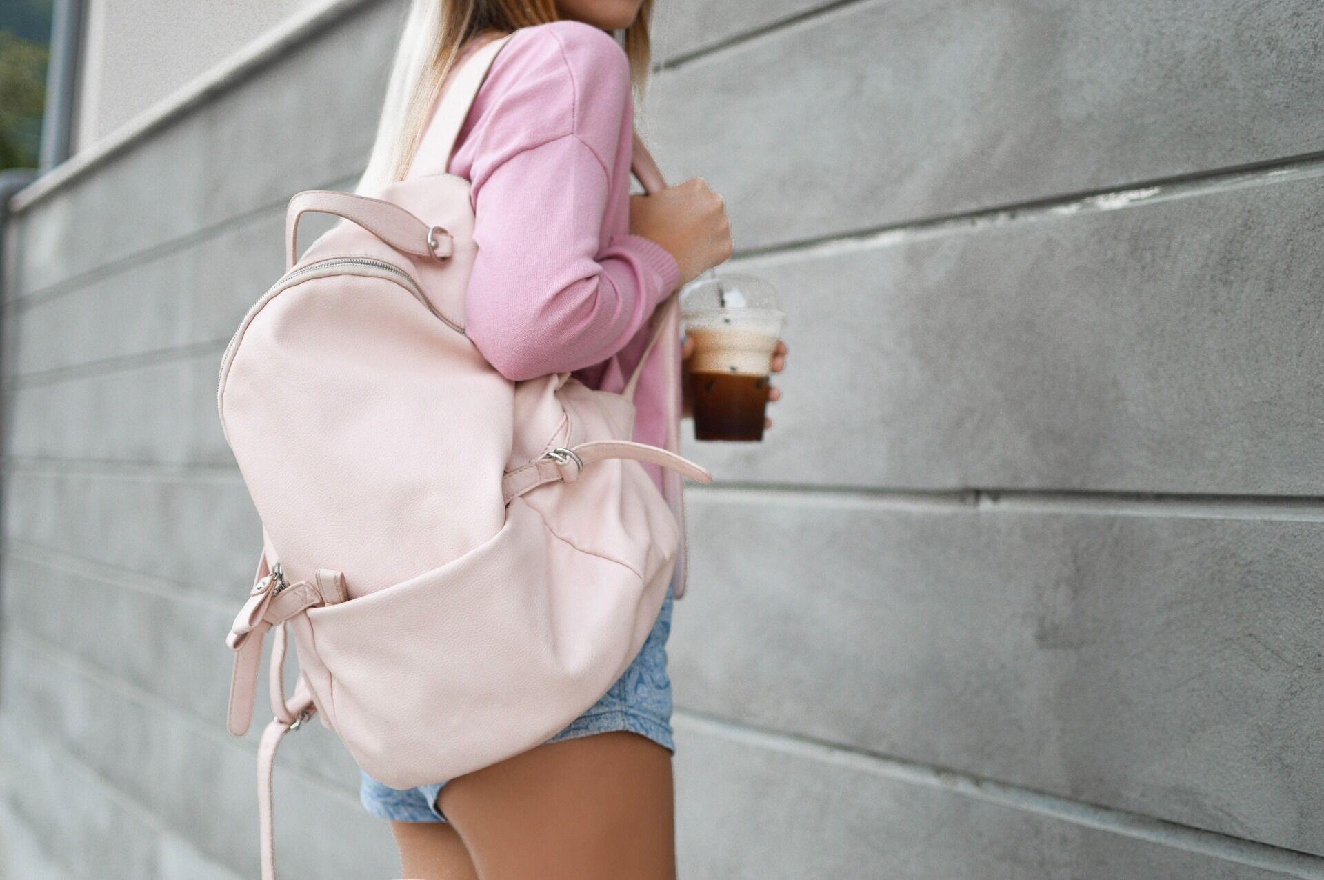 4d5d84d62c5c TáskaTár - a divatos női táska és férfi táska webáruház